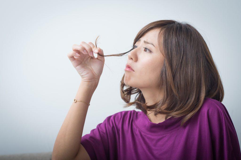 細毛で髪のボリュームが減る